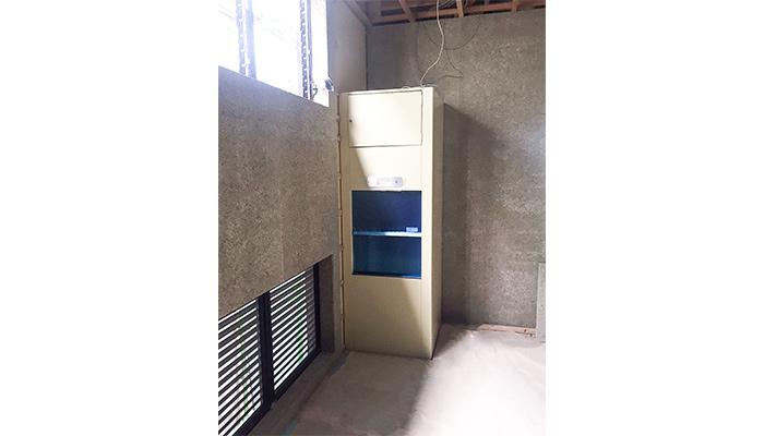 小荷物専用昇降機を居酒屋に設置|鹿児島県鹿児島市